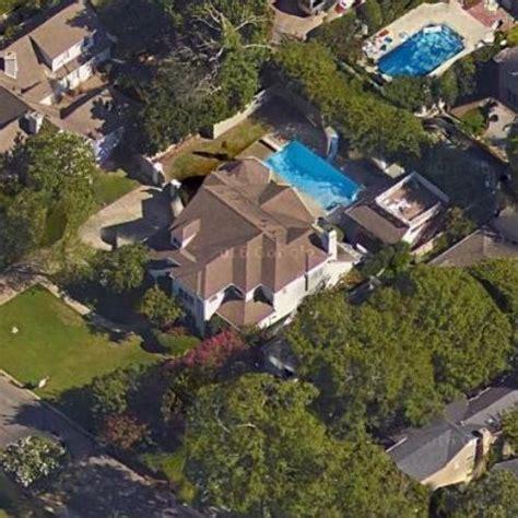 sara evans house sara evans and jay barker s house in mountain brook al google maps