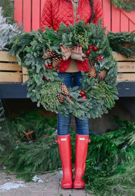 front door christmas wreaths   buy    diy
