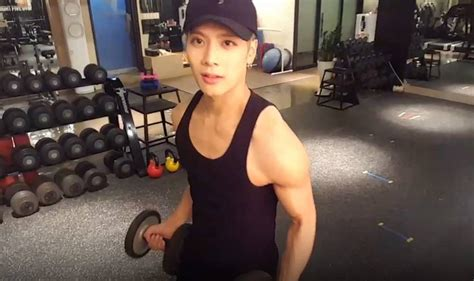 got7 jackson show got7 s jackson shows off his muscles as he transforms into