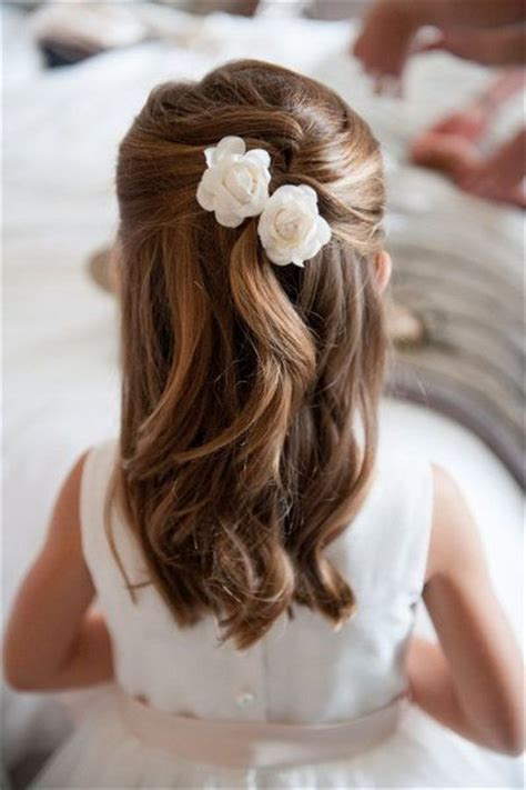 Hairstyles For Flower by Best 25 Flower Hairstyles Ideas On