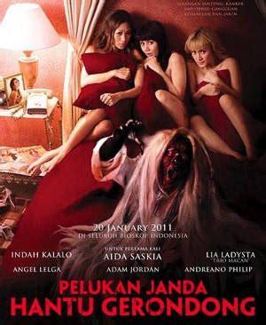 download film horor komedi pocong mandi goyang pinggul film horor komedi berbumbu seks ala kk dheeraj negeribocah