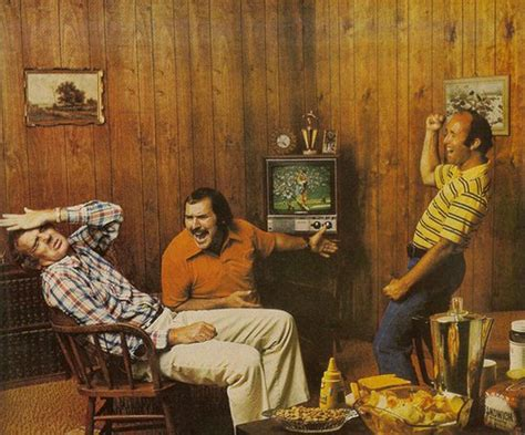 70 s wood paneling these 23 super 1970s photos will knock you right back to