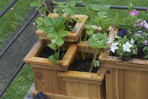 planter design 9 ways to building planter boxes for decks