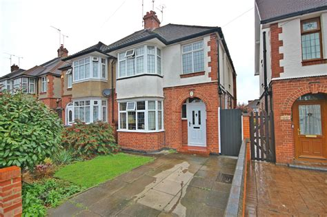 3 Bedroom House Luton by 3 Bedroom House For Sale In Luton