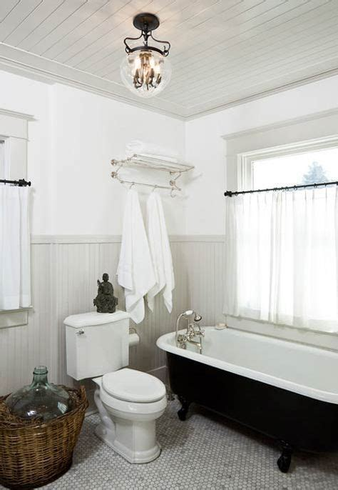 Wainscoting Dictionary by Best 25 Painted Wainscoting Ideas On Trim