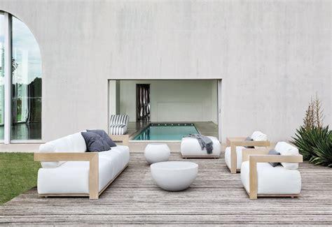 poltrone e divani collezione claud meridiani srl
