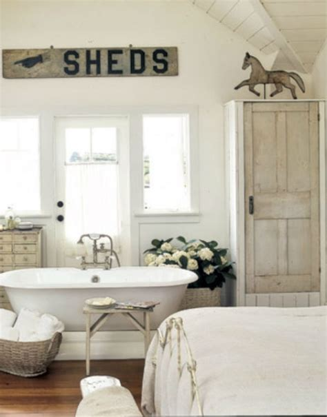 vintage farmhouse decorating ideas une salle de bain vintage