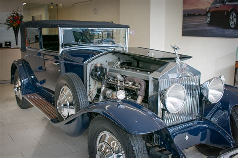 rolls royce phantom 1930 model at hr owen