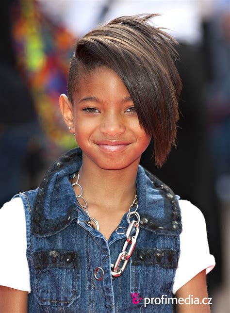 Willow Smith Hairstyle by 25 Willow Smith Hairstyles Which Look Slodive