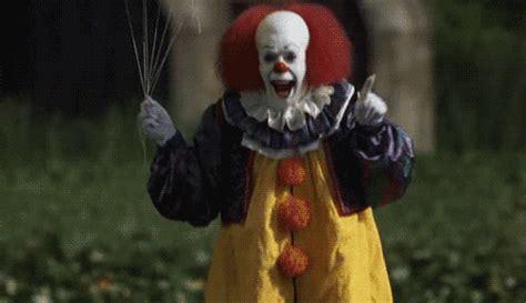 film it the clown stephen king s it finally becoming a horrifying clown