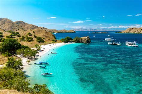 beaches  indonesia   map touropia