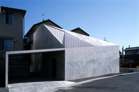 small house  reinforced concrete frame hall house