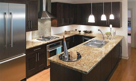 Formica Laminate Kitchen Cabinets by Best 25 Refinished Kitchen Cabinets Ideas On Pinterest