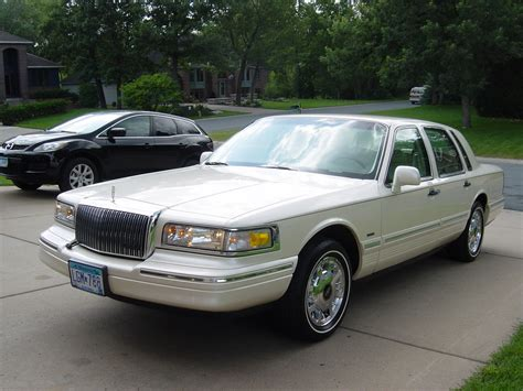 automotive service manuals 1997 lincoln town car head up display big80sclassic 1997 lincoln town car specs photos modification info at cardomain