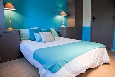 chambre bleu et blanc chambre sur l eau d 233 co bleue il flotte comme un petit