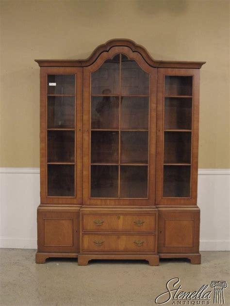 images  furniture  pinterest mahogany bookcase display cabinets  mahogany