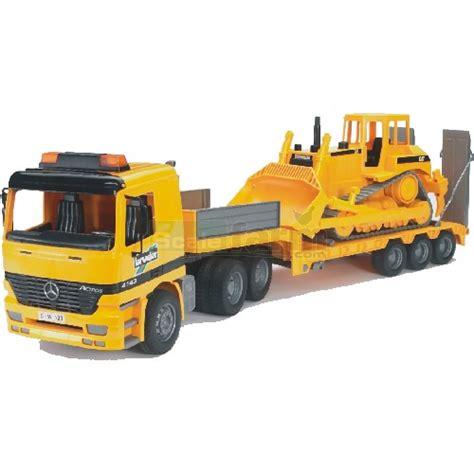 bruder toys mercedes bruder 02658 mercedes benz actros low loader truck with