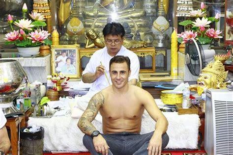 tattoo huruf thailand tato mas berto di thailand asisten liburan