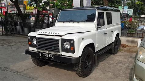 land rover indonesia in depth tour land rover defender 2013 indonesia