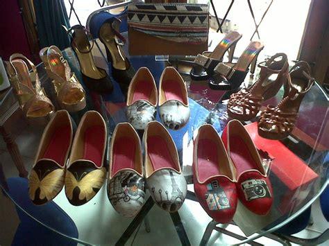 High Heels Pesta Abu Abu sepatu lukis flat high heels dan tas lukis pesanan pada