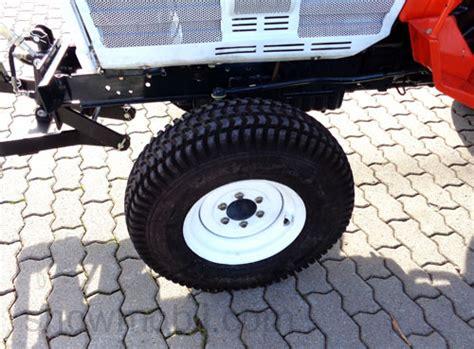Traktor Neu Lackieren Kosten by Kleintraktor Allrad Traktor Kubota L2602dt Frontlader Neu