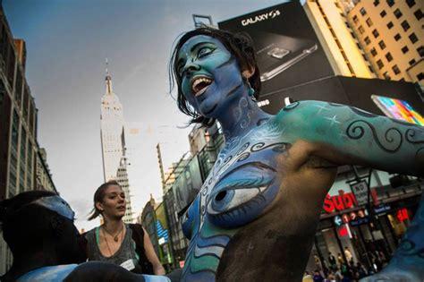 painting new 2015 new york city hosts march bird in flight