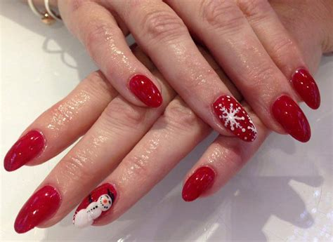 christmas decorated finger nails 50 voguish nails to reflect the festive mood the best way