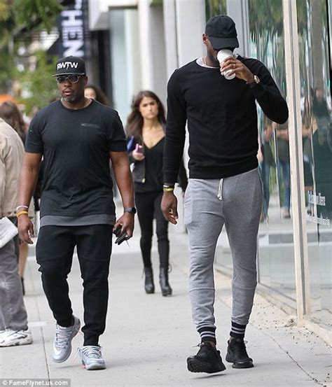 Gamis Casual Polos Ceruty All Puring lebron in gray sweatpants2