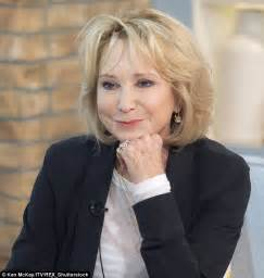 felicity kendal hairstyle a year after giving up the botox it s a smiling felicity