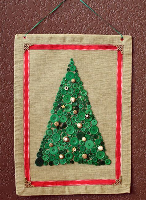 how to make christmas tree collage decorations