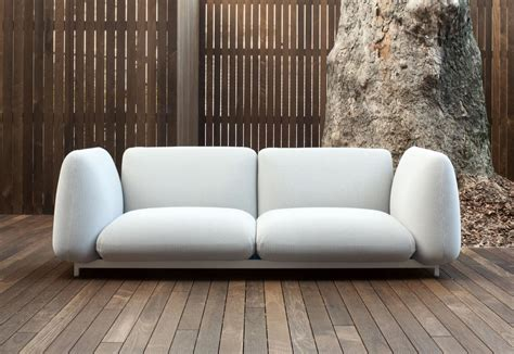 mellow out on an outdoor recliner mellow by paola lenti stylepark