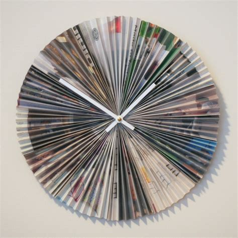 Folding Paper Accordion Style - accordion style recycled magazine clock la casa de crafts
