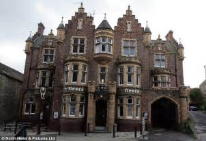 2 000 Square Feet Yorkshire Pub The Fleece Hotel Goess On The Market For 163