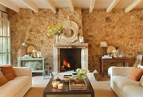 Atractiva  Plaquetas De Ladrillo #7: Salon_con_pared_de_piedra_y_chimenea_1280x874.jpg