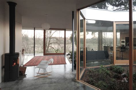 noa courtyard house courtyard house by no architecture ignant com