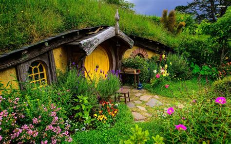 hobbit house wallpaper wallpapersafari