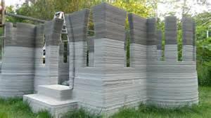 house prints man 3d prints castle in back garden using concrete printer