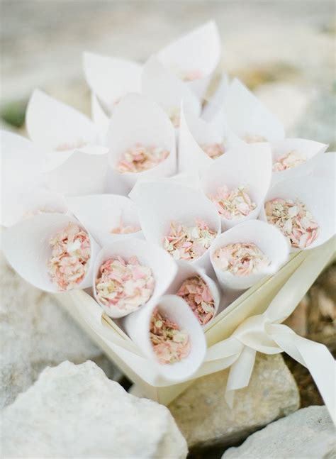 Best 20  Wedding confetti ideas on Pinterest
