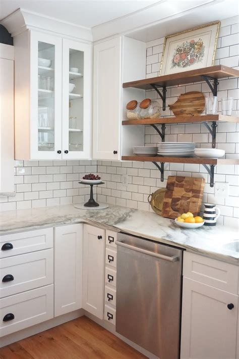 Kitchen With White Cabinets by 25 Best Ideas About Subway Tile Backsplash On