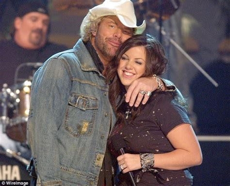 toby keith uk toby keith s daughter almost killed by drunk driver
