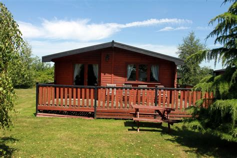 2 Person Log Cabin by Beechwood Park