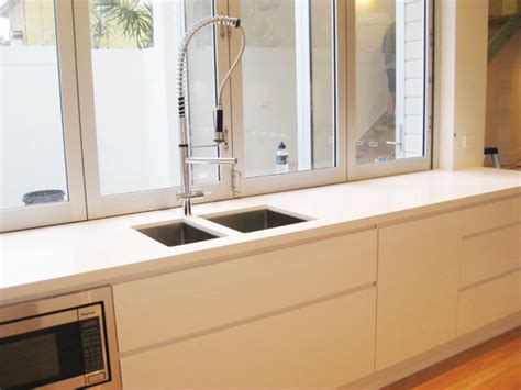 peninsula kitchens and bathrooms