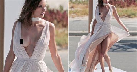 hanna f model nipple slip nip slip alert wardrobe malfunctions pinterest