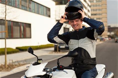 Motorradfahren Mit Brille by Motorradfahren Mit Kontaktlinsen Tipps Und Infos Zum