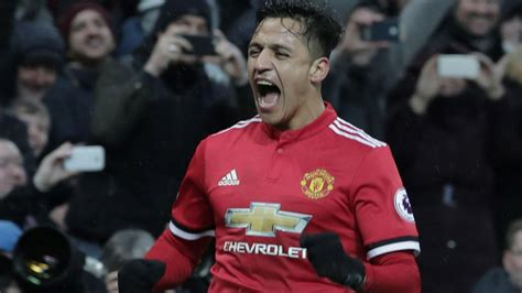 alexis sanchez education manchester united legend believes alexis sanchez can help