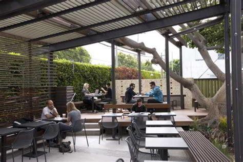 desain untuk cafe kecil ツ 30 konsep desain interior cafe minimalis outdoor