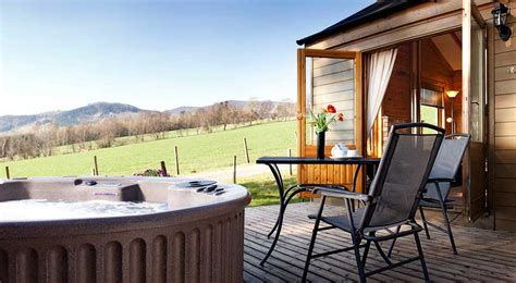 Log Cabins In Perthshire With Tub by Why Choose A Tub With Self Catering Accommodation In