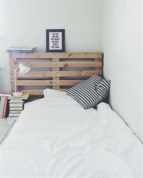 bed on floor ideas floor bed pallet headboard wishful living pinterest