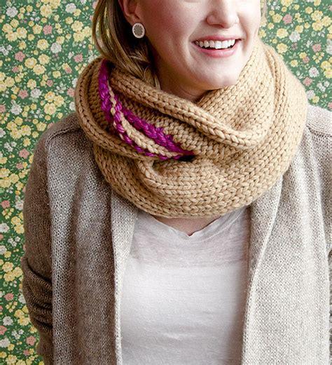 chunky knit cowl pattern knitting diy danielle henderson s chunky cowl design sponge