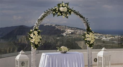Wedding Planner Greece by Do You Need A Wedding Planner In Santorini Greece